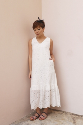 Dahlia Eyelet Dress - The Yin